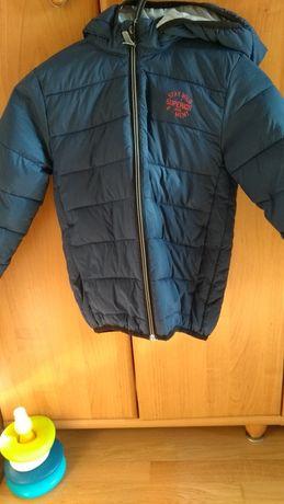 Демисезонная куртка HM, 6-8 лет. 122/128