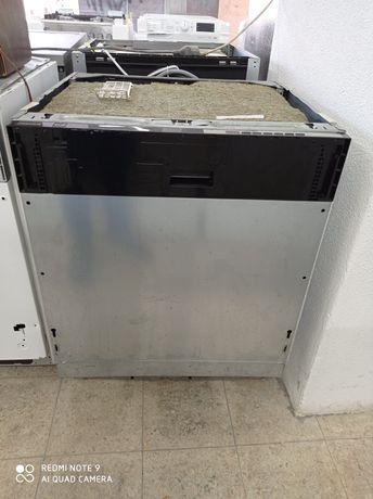 Máquina de lavar loiça de encastre.Entrego em casa