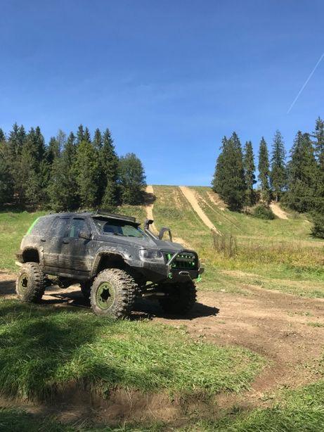 Jeep Grand Cherokee 5.7 HEMI