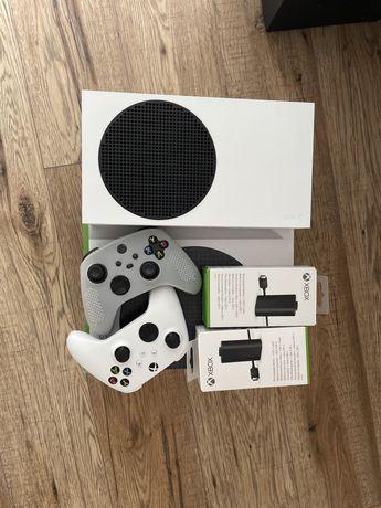 Xbox series S dwa pady i akumulatory microsoft, gwarancja
