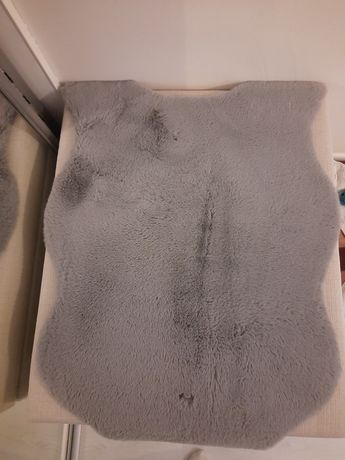 Szary dywanik z salonu Agata Meble