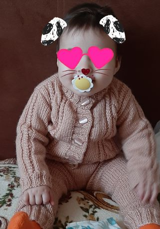 Вязаный костюм ручной работы для мальчика или девочки