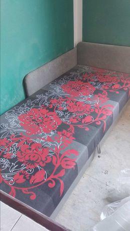 Łóżko młodzieżowe jednoosobowe