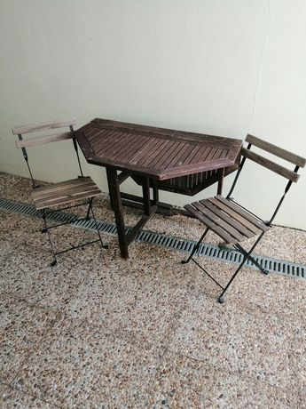 Mesa de Jardim e duas cadeiras
