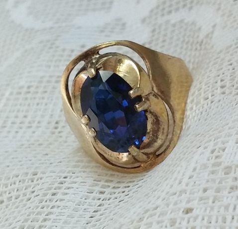 Кольцо серебро в позолоте 875 п.ссср синий камень