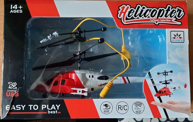 Helikopter latający sterowany ręką
