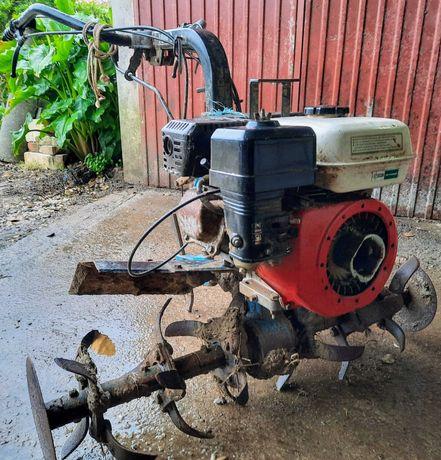 Trator de mão - Moto enxada - Moto cultivador - usado
