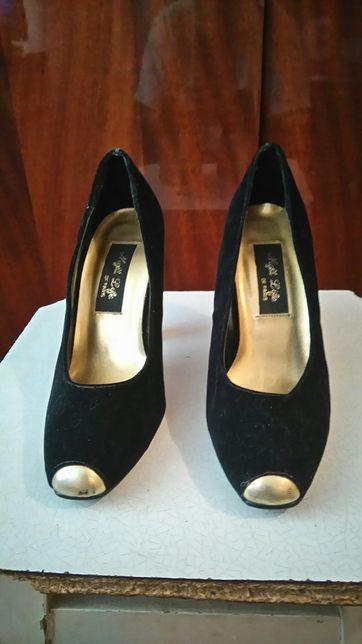 Продам женские туфли 38 размер б/у