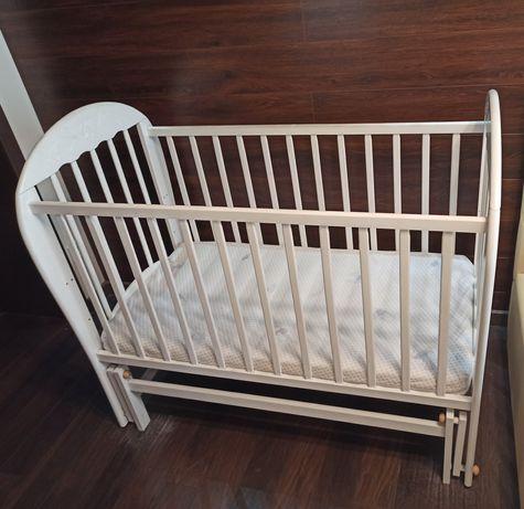 Продам детскую кроватку с маятником (+матрас в подарок)