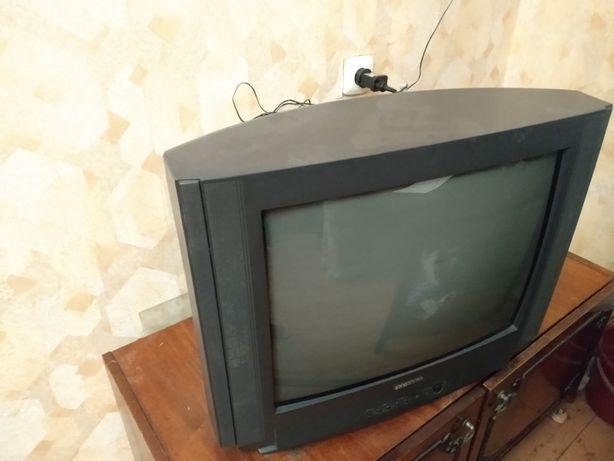 Телевізор б/у продам