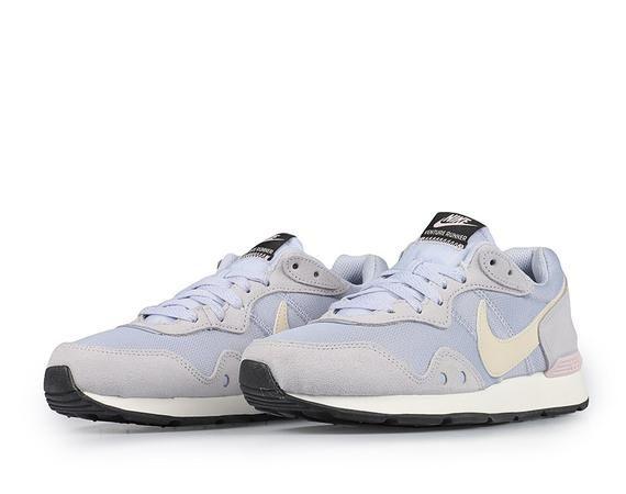 Новые кроссовки Nike Wmns Venture Runner