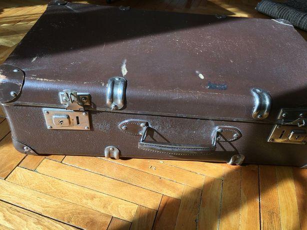 Stra zabytkowa walizka, walizka vintage, rekwizyt, baza decoupage