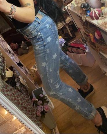 Фемели лук,джинсы