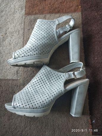 E.41 sandały botki szare na słupku