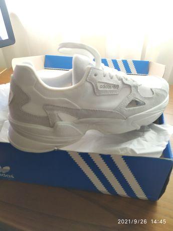 Vendo ténis Adidas Falcon