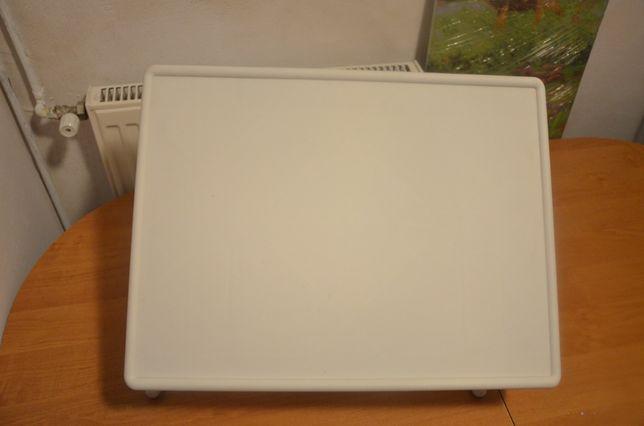 półka pod laptopa