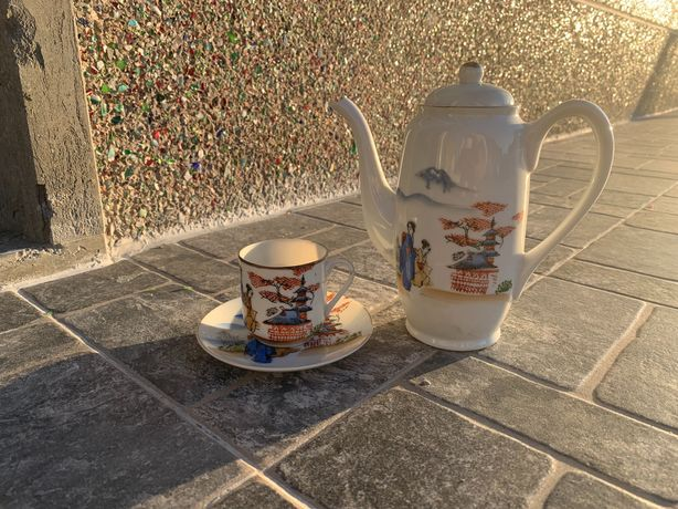 Chávena e Bule de loiça chinesa