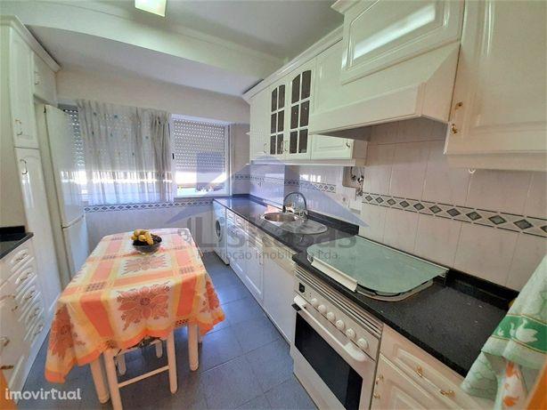 Apartamento T1+1 remodelado na Póvoa de Santo Adrião, Odi...