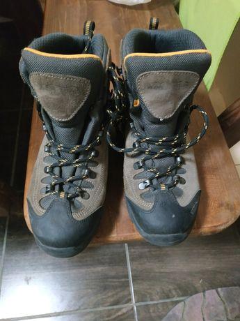 Подростковые надёжные ботинки Германия.