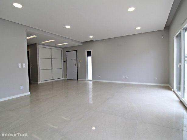 Moradia Isolada V4 Nova com Garagem Box em Pinhal de Frades