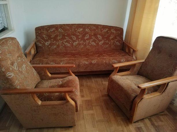 Tapczan i dwa fotele