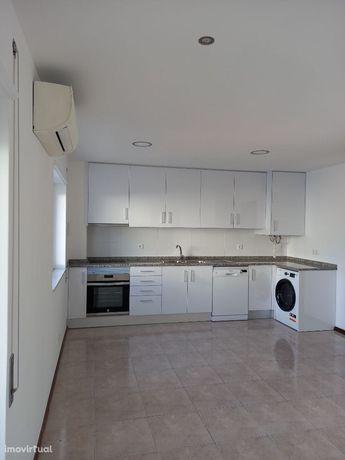 Apartamento T1 remodelado em Leiria