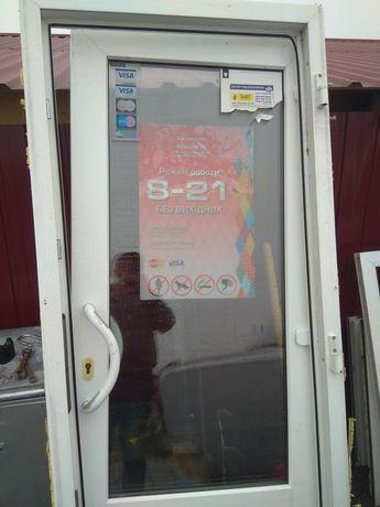 Входная Металлопластиковая дверь. 90*210