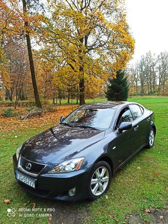 Lexus is 220d 177 km stan bardzo dobry