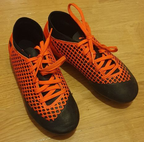 Buty piłkarskie PUMA Future 2.4 Fg/Ag Jr korki/lanki r.32,5 wkł.19,5cm