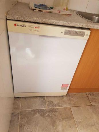 Eletrodomesticos e movel de cozinha