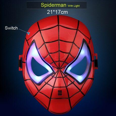Маска Человек Паук светится Spider Man