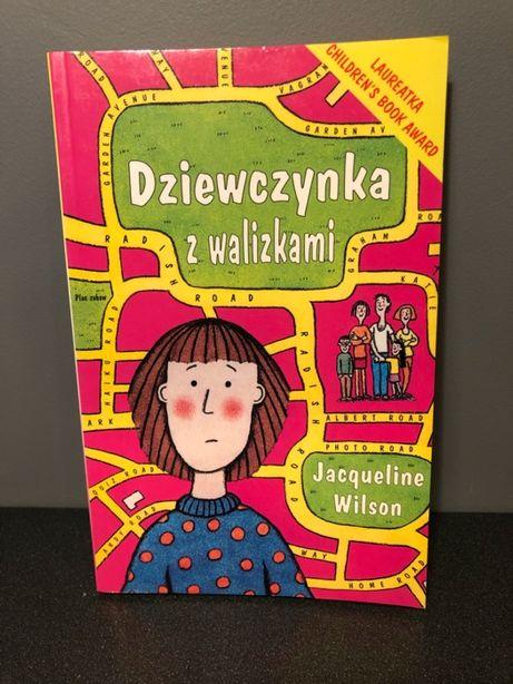 """Książka """"Dziewczynka z walizkami"""" Jacqueline Wilson"""