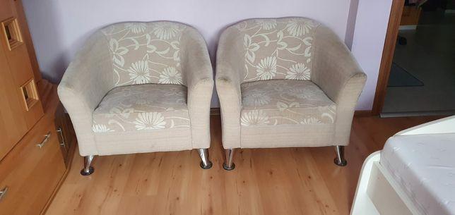 Eleganckie fotele w dobrym stanie