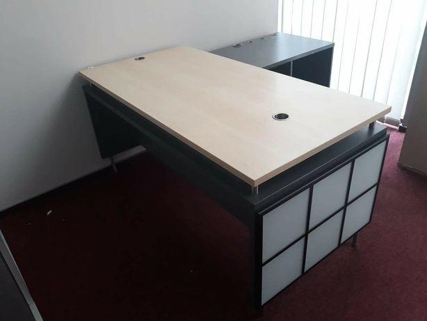 Biurko z półką mega praktyczne, podswietlane
