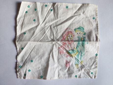 Детский носовой платок мальчик с девочкой