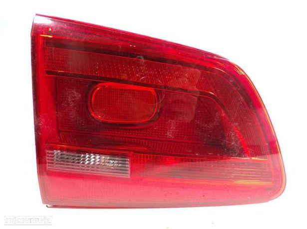 Farolim esquerdo da mala VW TOURAN (1T3) 1.6 TDI CAYC