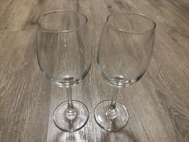 Винные бокалы