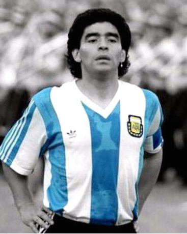 Diego Maradona magnes na lodówkę 5x7cm 5zł sztuka
