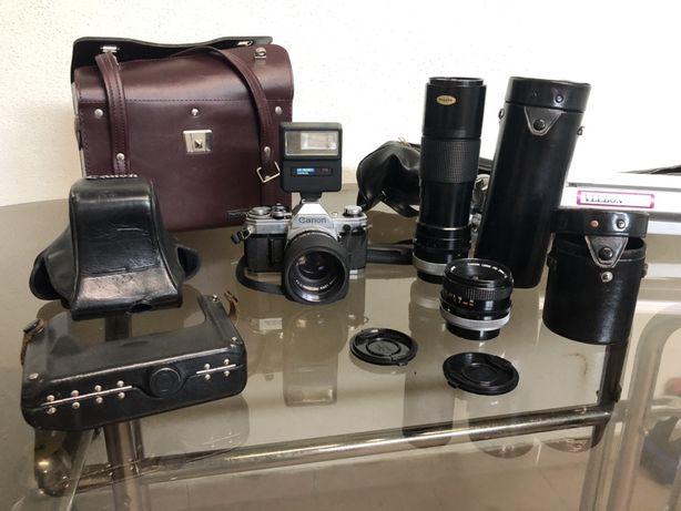 Conjunto de fotografia com câmera  canon AE-1