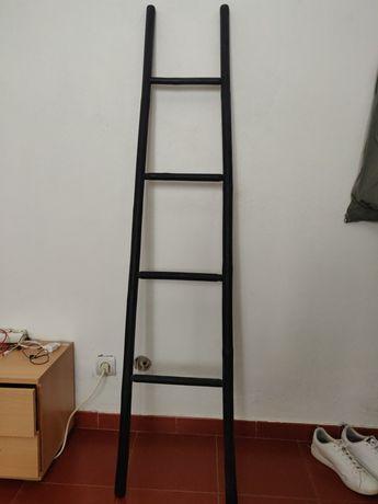 Escada para pendurar roupa