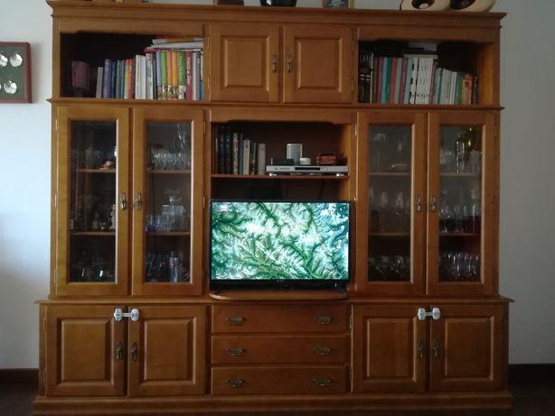 Móvel de TV (com estante e vitrine) em Pinho mel maciço