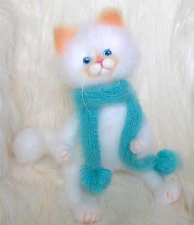 Большой персидский кот,игрушка