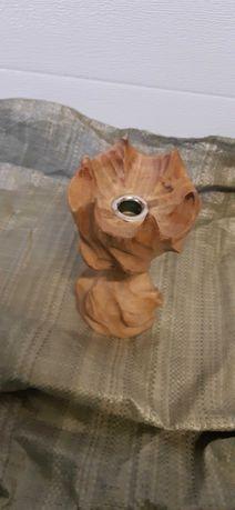 Recznie wykonany drewniany swiecznik. Duzo swiec w zestawie