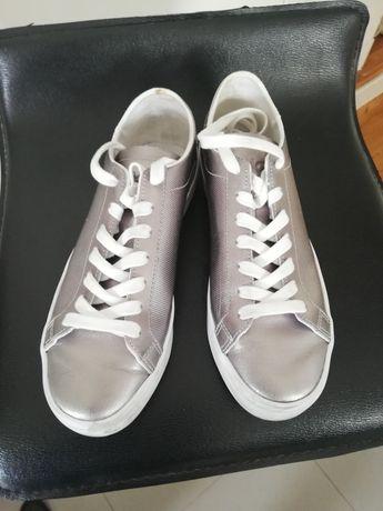 Ténis Adidas originais de rapariga prateados