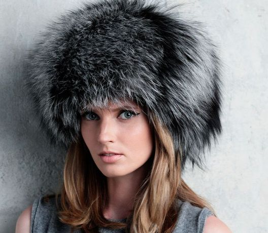 Женская зимняя меховая шапка из чернобурки onsize