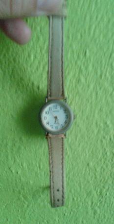 zegarek damski na rękę quarz Japona PRL biały pasek