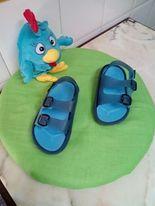 Sandália azuis c/ 2 fivelas azuis Usadas em bom estado