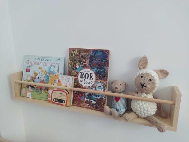 Drewniana półka na książki dla dzieci styl skandynawski