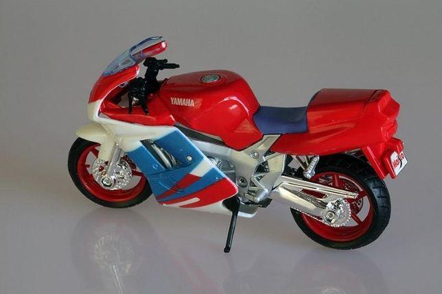 Miniatura Moto Super Bike Yamaha da Maisto Escala 1:18 Nova
