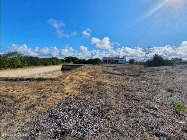 Terreno de regadio em Almograve com 2 casas